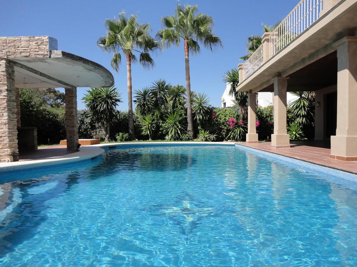 VILLA IN MARBELLA GOLDEN MILE - Nevado Realty real estate in Marbella