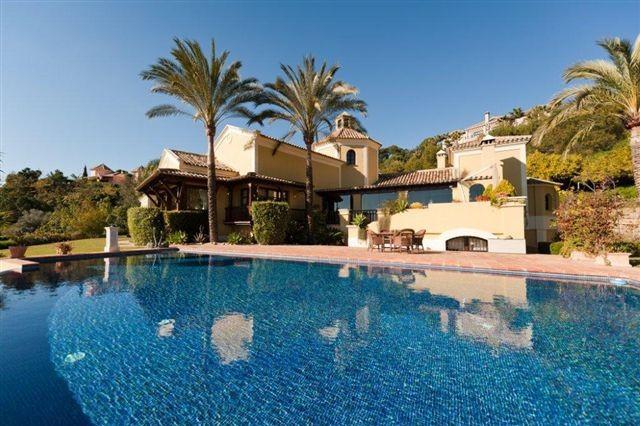 LUXURY VILLA FOR SALE IN LA ZAGALETA - Nevado Realty Real Estate in Marbella