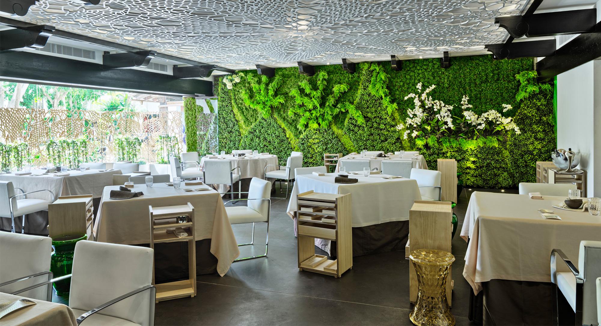 Cena de lujo en marbella for Cocinas de restaurantes modernos