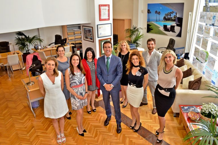 Equipo Inmobiliaria Nevado Marbella 2016