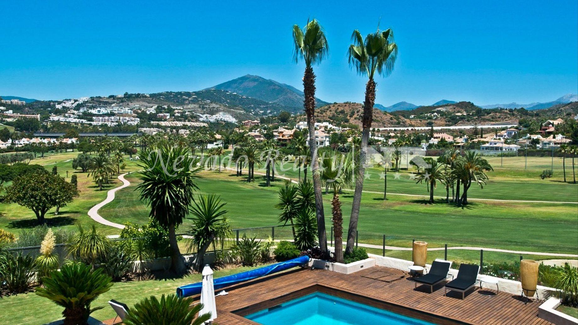 Villa à vendre à Los Naranjos Golf - Nevado Realty