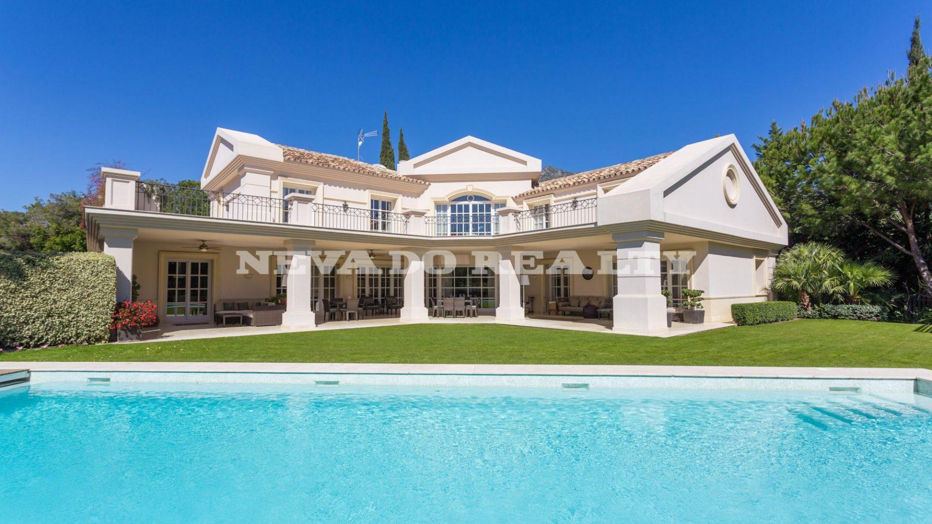 Luxury Villa in altos reales, gated community in Marbella