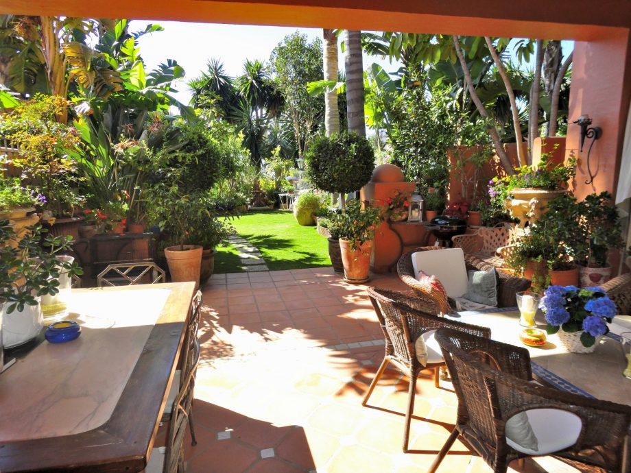 Adosada para disfrutar del otoño en Marbella, precio reducido