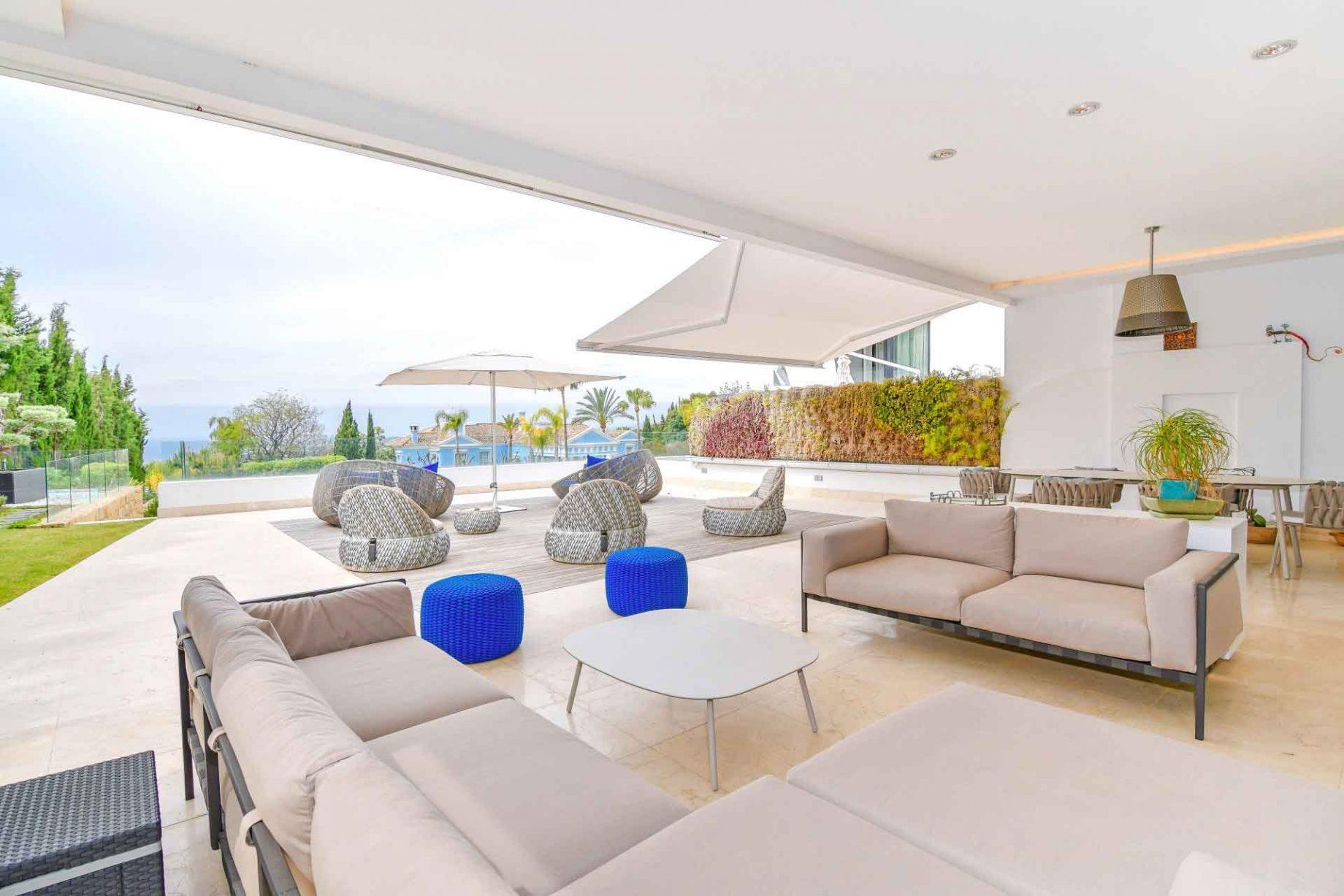 Apartamento de lujo en alquiler en Marbella con vistas al mar