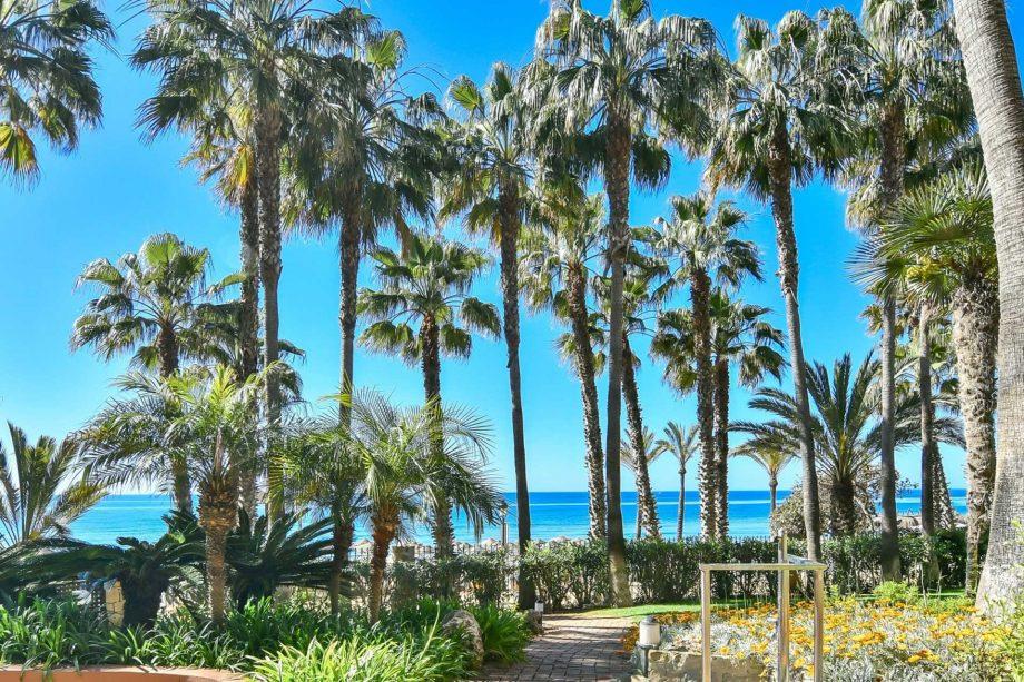 Vistas a la playa desde Las Cañas Beach Marbella