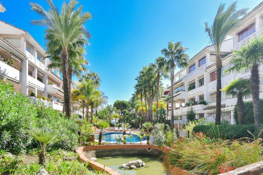 Jardines de Las Cañas Beach - Marbella
