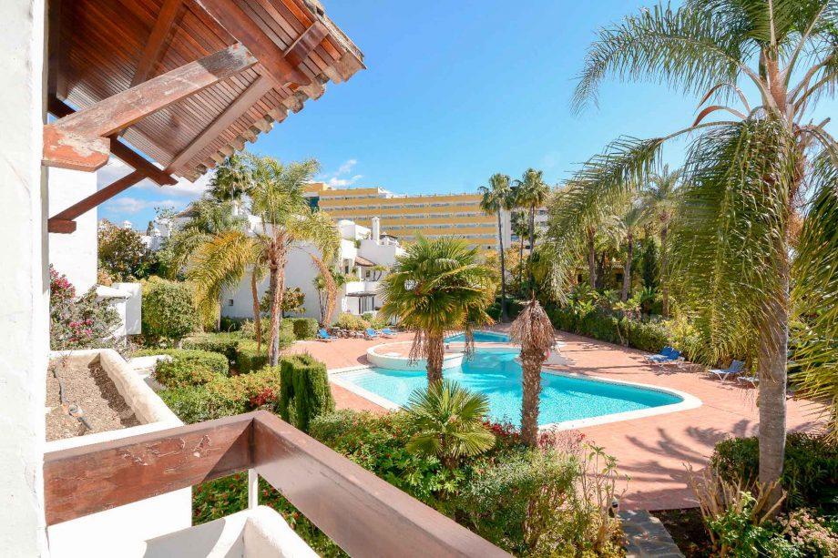 alhambra-del-mar-apartamento-terraza-nevado-realty
