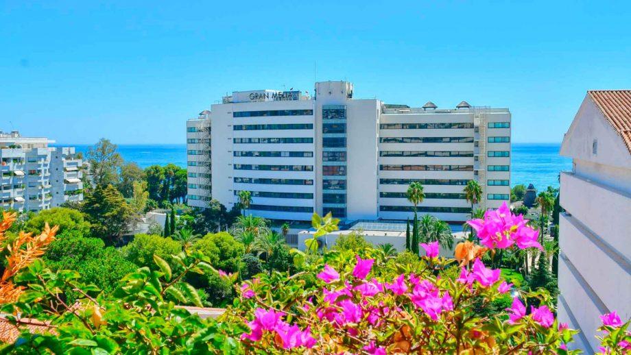 Apartmento con vistas frente a hotel don Pepe en residencial Palacio de Congresos