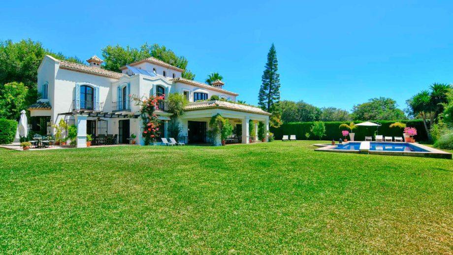 Villa junto a Marina Puente Romano