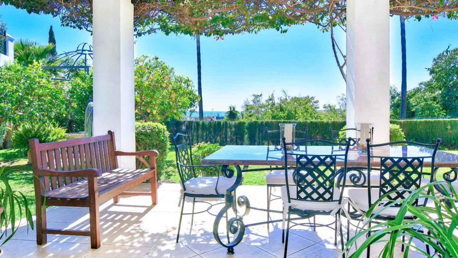 Villa en Marbella centro con vistas al mar