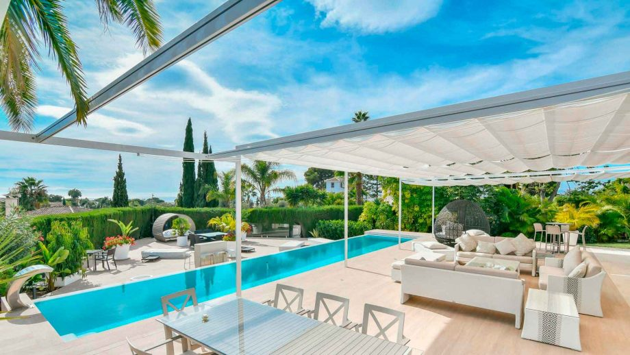 Villa en Marbella Este con amplia parcela