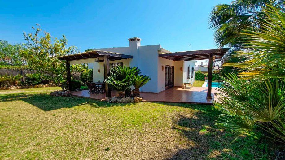 Villa for rent in Huerta Belón, Marbella centre