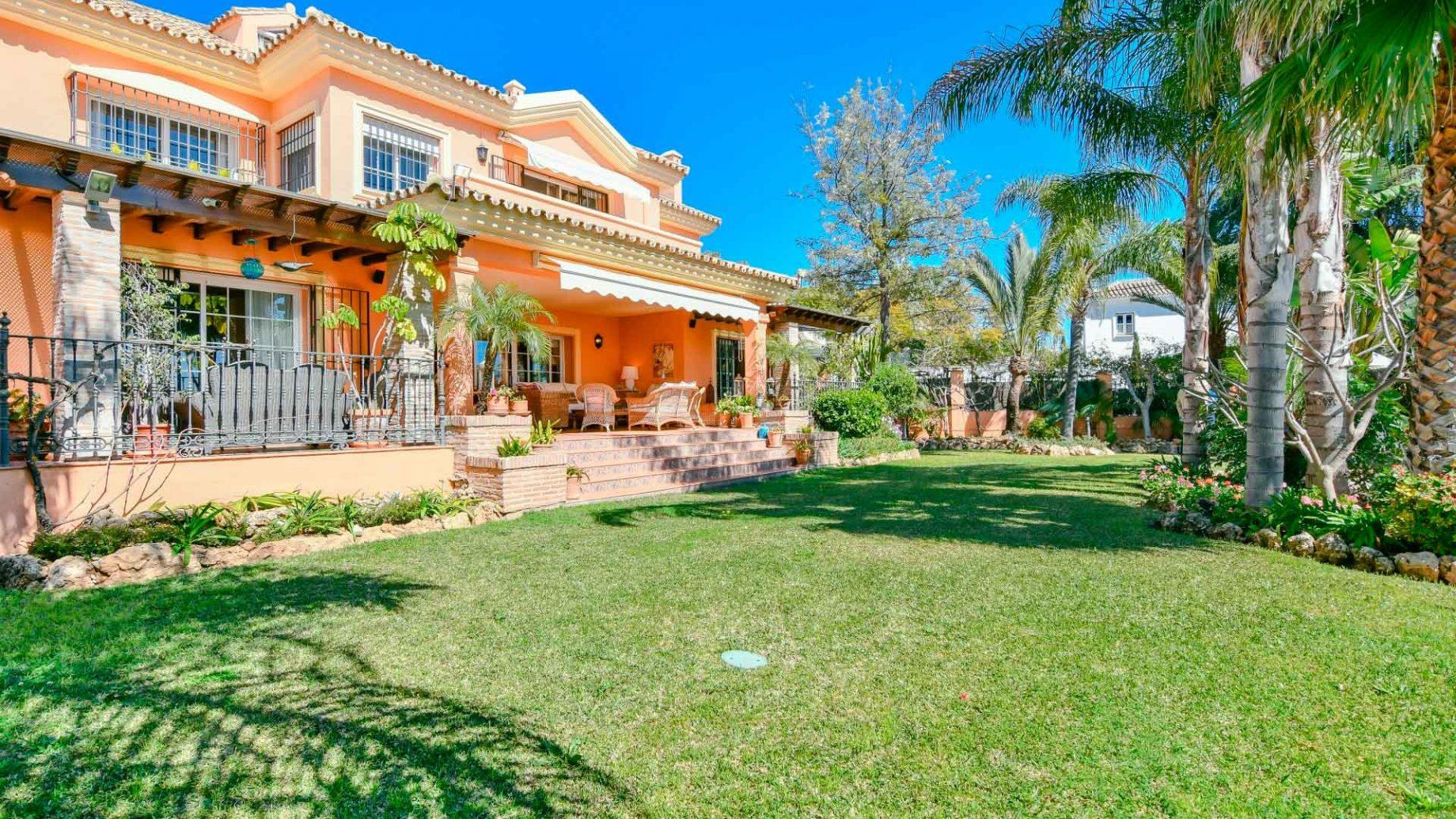 Villa in Huerta Belon, Marbella centre