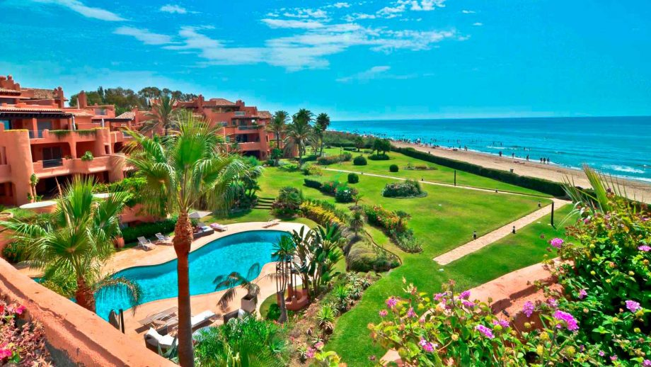Penthouse en première ligne de plage à La Morera, Los Monteros